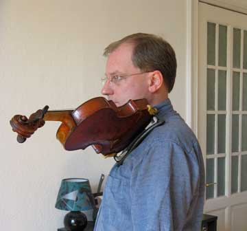 Geigenhaltung02