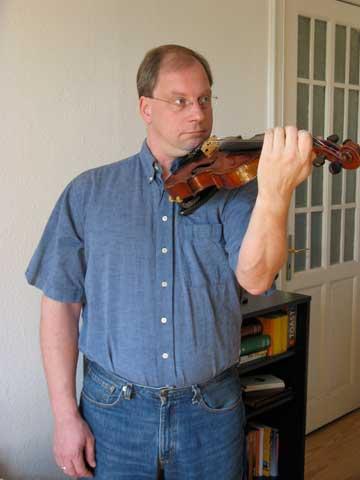 violinhold05